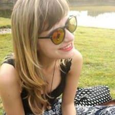 Profil Pengguna Maria Fernanda
