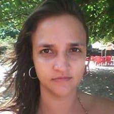 โพรไฟล์ผู้ใช้ Ana Cláudia
