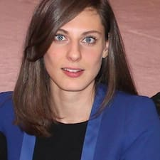 Perrine Brugerprofil