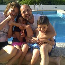 Javier, Aina & Family User Profile