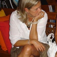 Barbara è l'host.