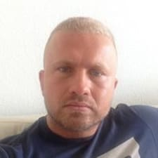 Valentin felhasználói profilja