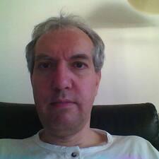Yves felhasználói profilja