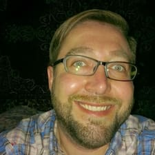 Dustin felhasználói profilja