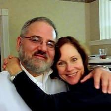 Profil Pengguna Maureen & Tom