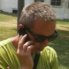 โพรไฟล์ผู้ใช้ Miroslav