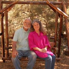 Richard & Linda es el anfitrión.