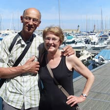 Guy Et Béatrice ist der Gastgeber.