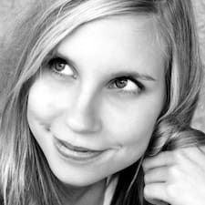 Karolína User Profile