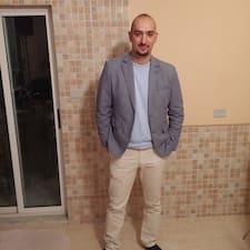 Ahmed è l'host.