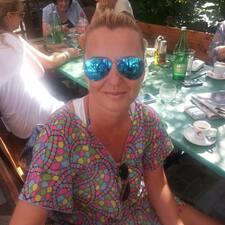 Marijana es el anfitrión.