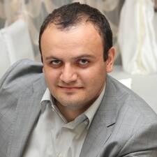 โพรไฟล์ผู้ใช้ Narek