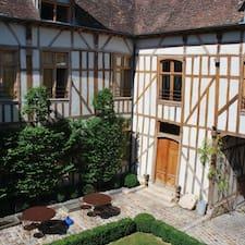 โพรไฟล์ผู้ใช้ La Maison De Rhodes
