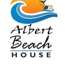 Albert คือเจ้าของที่พัก