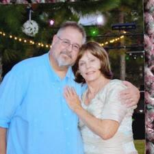 Richard & Janice es el anfitrión.