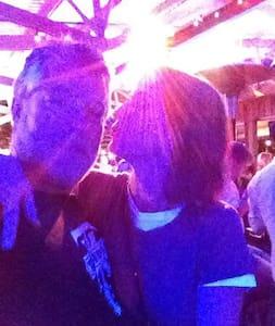 Andy & Ellen