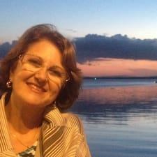 Mara Rúbia Gubiani es el anfitrión.