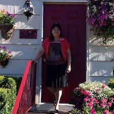 Priscilla bir süper ev sahibi.