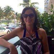 Profil korisnika Michelle Crowell