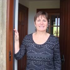 Anne ist der Gastgeber.