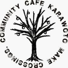 Karawoto adalah tuan rumahnya.