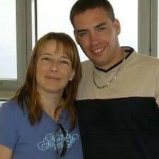 Profil Pengguna Theresa And Derek