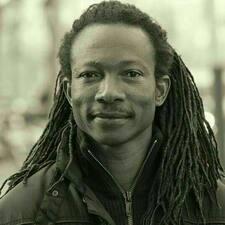 Amadou Tidjani est l'hôte.