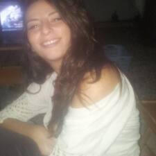 Ayşe Pınar是房東。