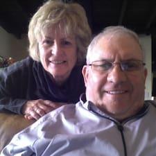 Bill And Sue je domaćin.