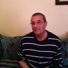 Mohamed Aziz je domaćin.