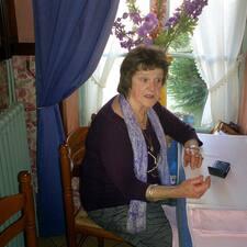 Margaret es el anfitrión.