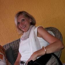 Anne-Rose User Profile
