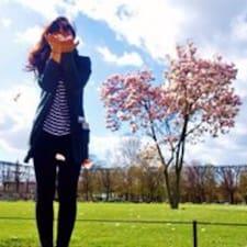 Natalie-Monique Brukerprofil