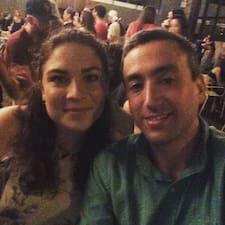 Katy & Chaim est l'hôte.