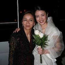 Michiko & Yurika é o anfitrião.