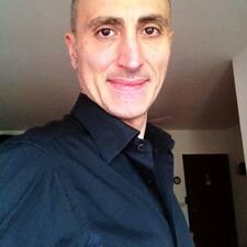 โพรไฟล์ผู้ใช้ Maurizio