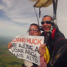 โพรไฟล์ผู้ใช้ Angelo Nascimento De