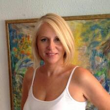 Julia Clara User Profile