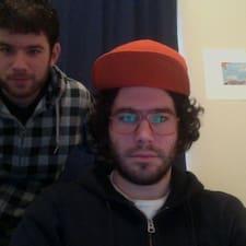 โพรไฟล์ผู้ใช้ Bobby & Brian