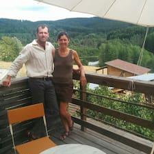 Danick & Frédéric é o anfitrião.