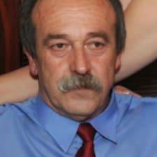 Dushko是房东。