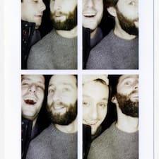 Tim & Ben是房东。