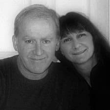 โพรไฟล์ผู้ใช้ Robert And Vera