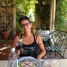 โพรไฟล์ผู้ใช้ Giulia