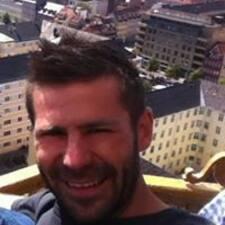 René felhasználói profilja