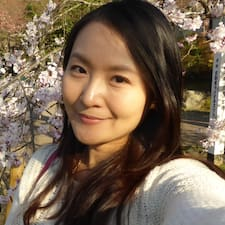 Ophelia 冠岑 User Profile