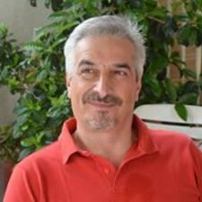 โพรไฟล์ผู้ใช้ Vassileios