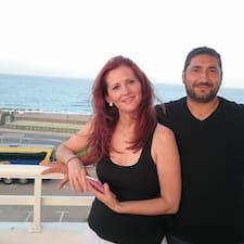 Maria Agustina Y Manuel es el anfitrión.