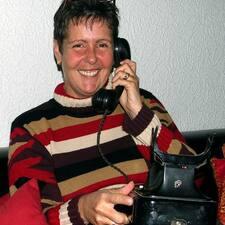 โพรไฟล์ผู้ใช้ Annette