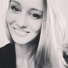 Profil Pengguna Katie Wyckoff